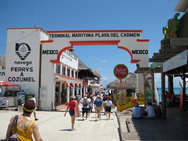 Terminal marítimo, em Playa del Carmen, de onde sai o ferry para Cozumel